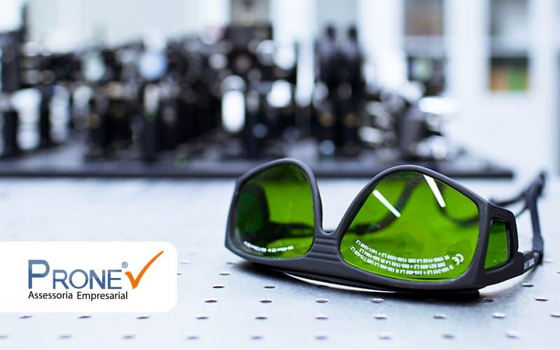 Como Funciona O Processo De Montagem De Oculos Post - Prone Contabilidade